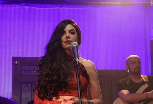 Son Yaz Dizisi 26 Mart Çalan Şarkıcı Kim? Şarkıları, Sözleri